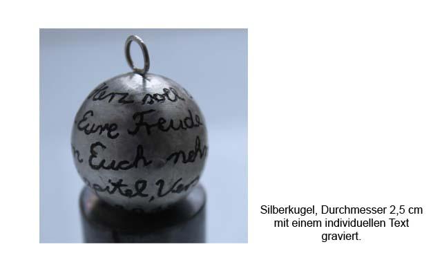 Silberkugel mit Text